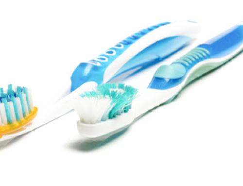 Wie oft muss ich meine Zahnbürste wechseln?